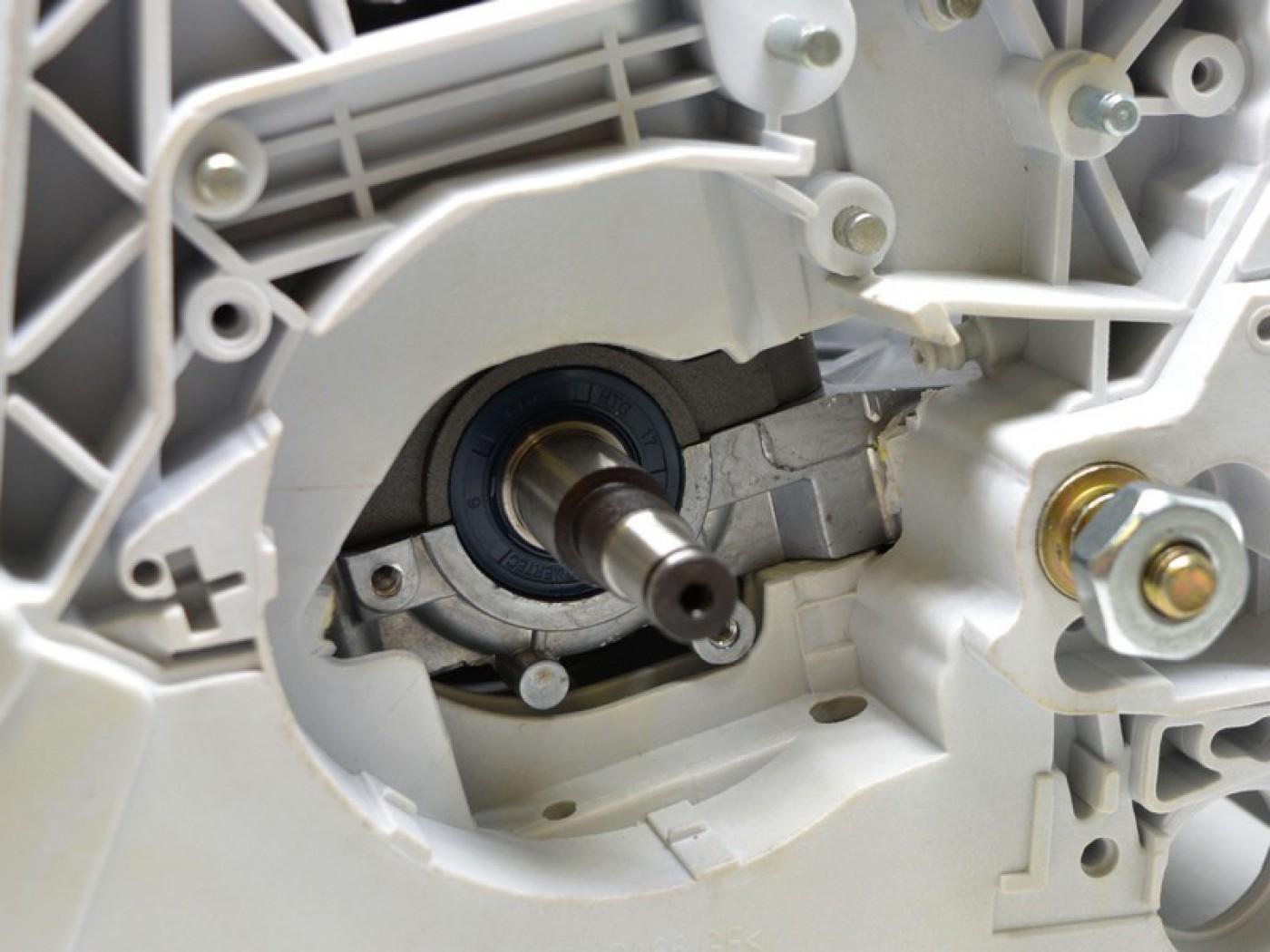 Motor Stihl MS 390 039 + kliková skříň