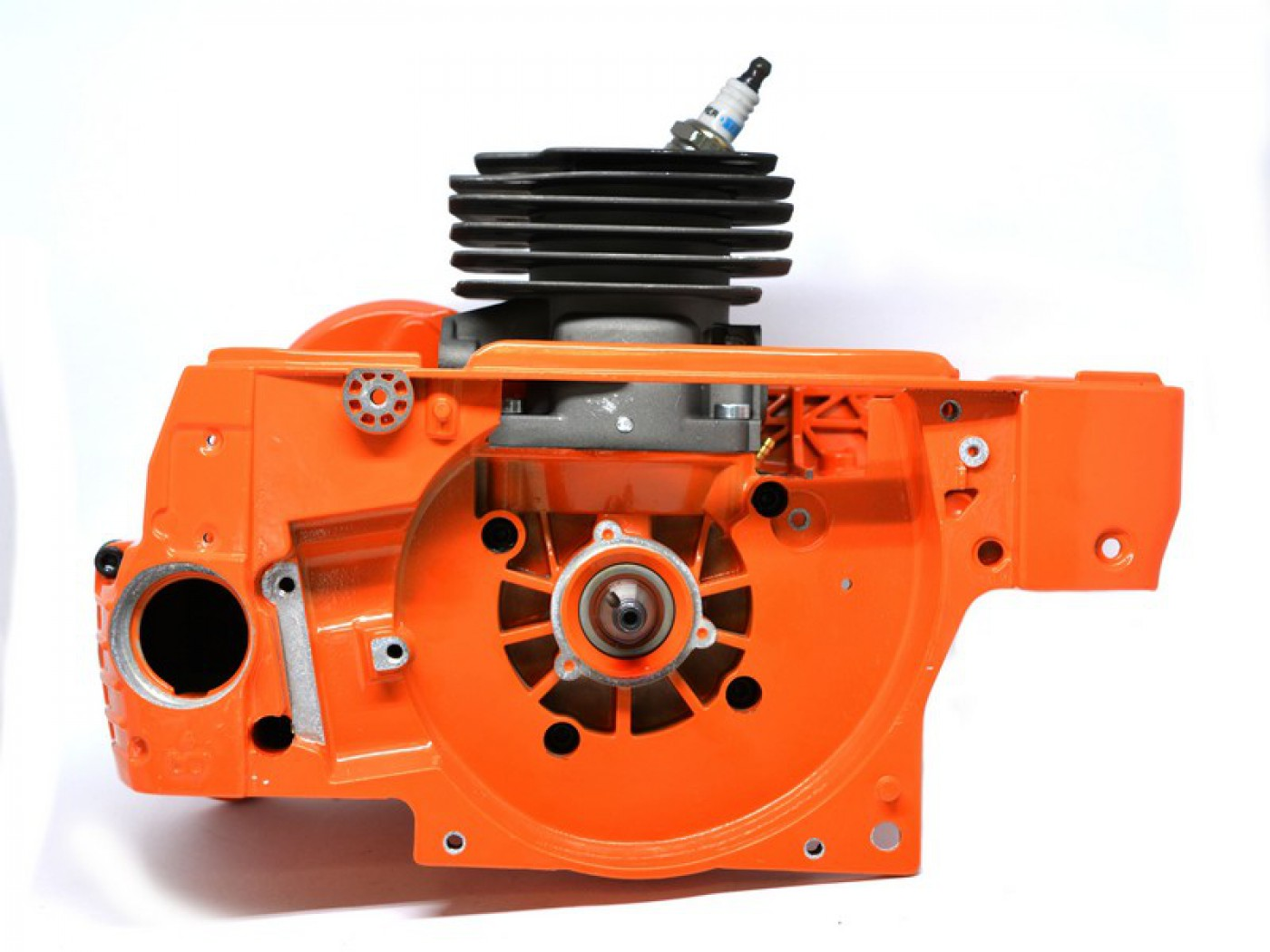 Motor Husqvarna 372 + kliková skříň + UŠETŘÍTE 700 Kč