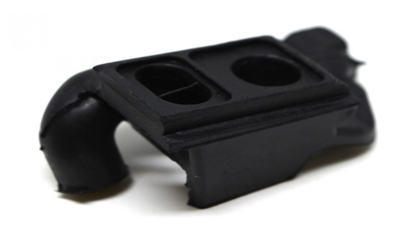 Kryt karburátoru Stihl MS380 038